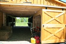 Monitor Barn - Center Aisle Door Monitor Barn - 36 x 36