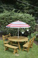 Outdoor Furniture - Wood 5' Round 5 Piece Set