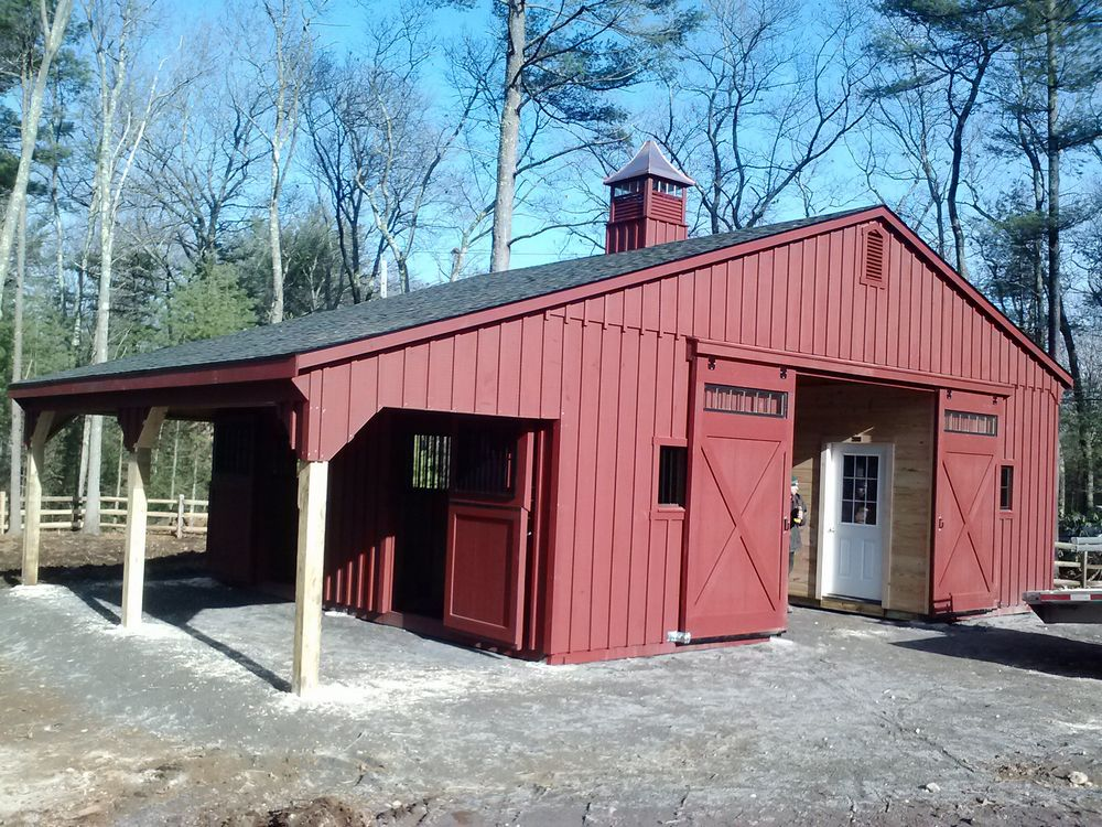 Standard Rooms Low Cost And Confortable In The Center Of: Custom Horse Barn Layouts