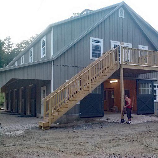 Custom Barns And Buildings